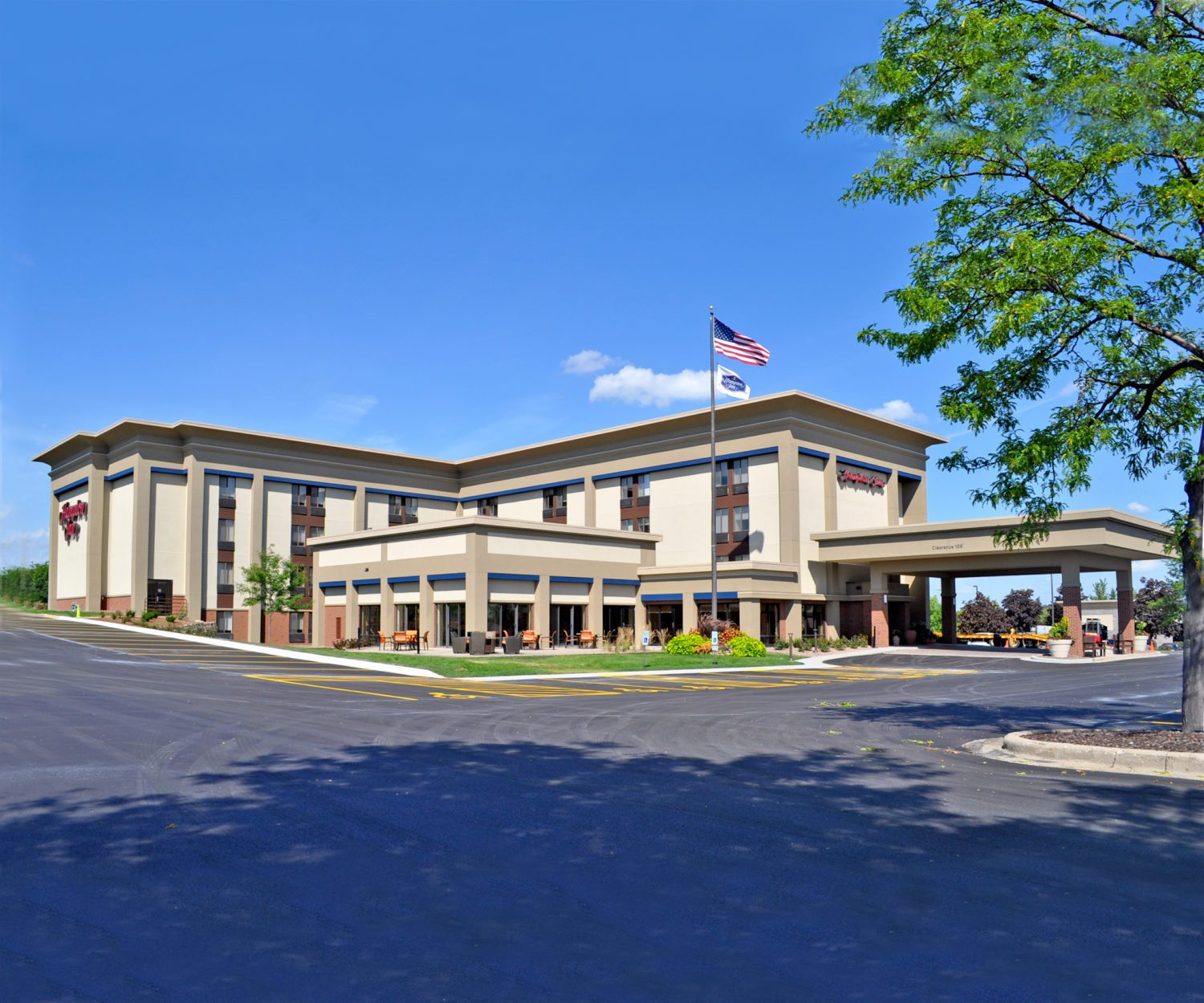 Hampton Inn – Brookfield